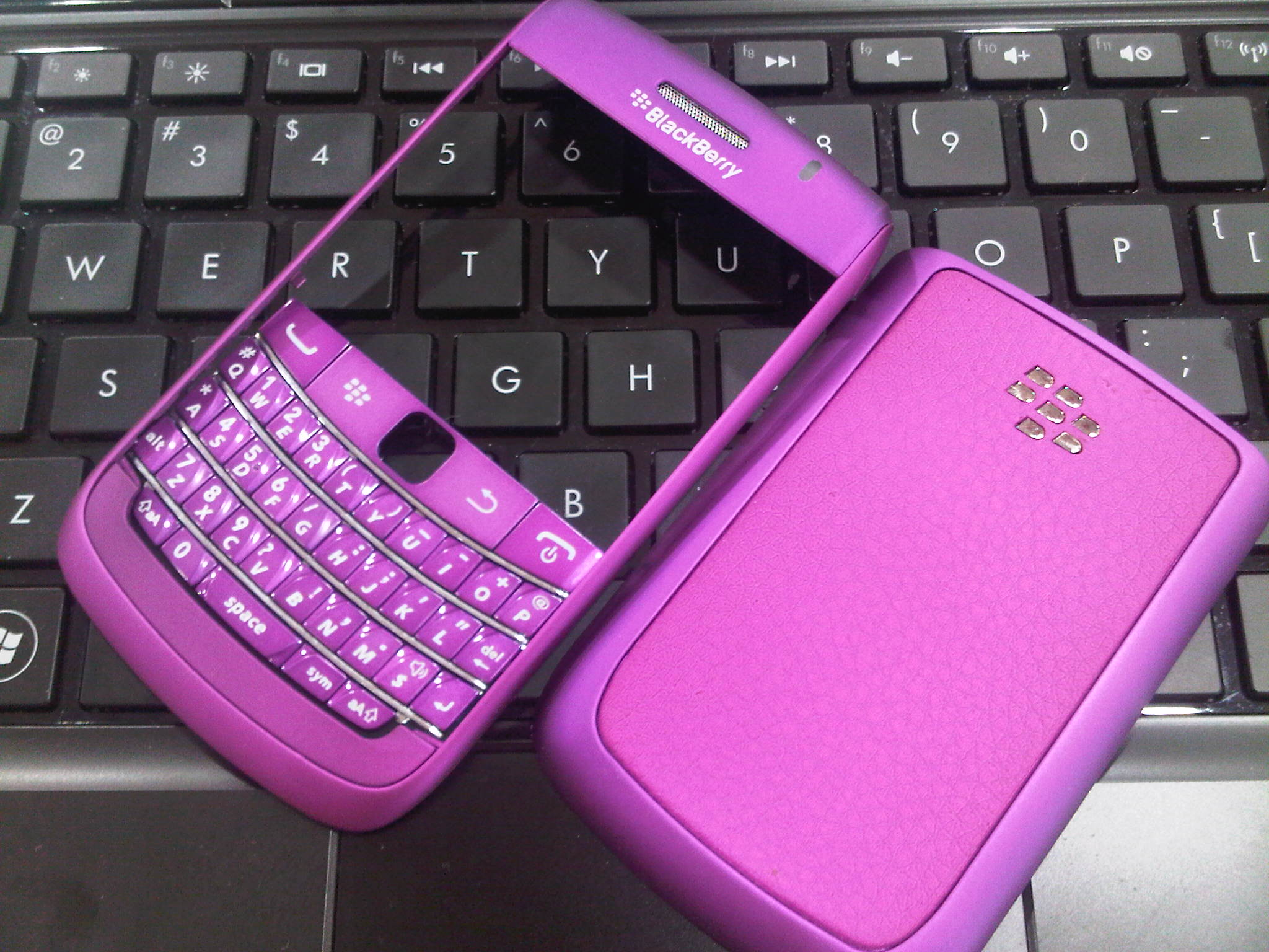 BlackBerry Bold 9700 Housing (High Quality) | AgoosBerry™ | Do more